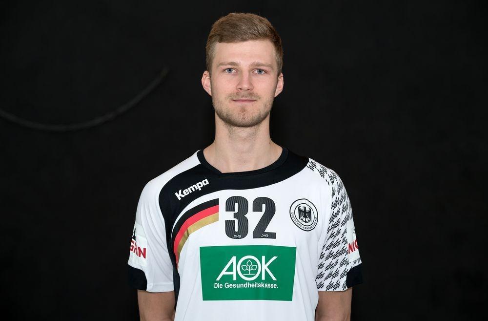 """Foto: dpa, Guido Kirchner <strong class=""""verstecktivw"""">handball</strong>"""