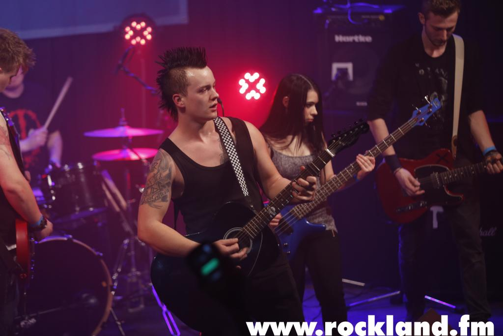 """Foto: ROCKLAND <strong class=""""verstecktivw"""">swmmusicids</strong>"""