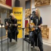 Leo Leoni und Nic Maeder singen einen Song ein